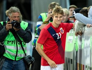 DRAMMEN, NORWAY - SEPTEMBER 07:  Martin Odegaard of Norway meeting greets fans after the U21 International match between Norway and England at Marienlyst Stadium on September 7, 2015 in Drammen, Norway.  (Photo by Trond Tandberg/Getty Images)