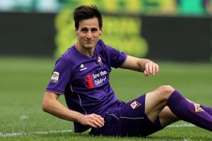 FLORENCE, ITALY - MAY 08: Nikola Kalinic of ACF Fiorentina reacts during the Serie A match between ACF Fiorentina and US Citta di Palermo at Stadio Artemio Franchi on May 8, 2016 in Florence, Italy.  (Photo by Gabriele Maltinti/Getty Images)
