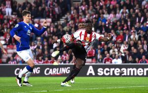 SUNDERLAND, ENGLAND - MAY 11: Lamine Kone of Sunderland scores his team's second goal during the Barclays Premier League match between Sunderland and Everton at the Stadium of Light on May 11, 2016 in Sunderland, England.  (Photo by Stu Forster/Getty Images)