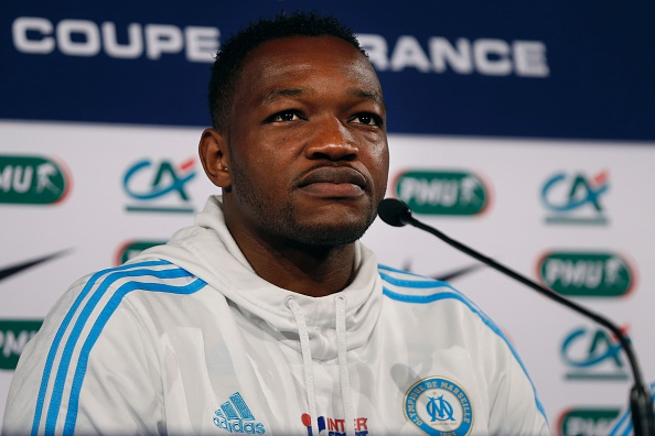 Marseille's French goalkeeper Steve Mandanda attends a press conference before a training session at the Stade de France Stadium in Saint-Denis, near Paris, on May 20, 2016 on the eve of the French Cup final. / AFP / THOMAS SAMSON (Photo credit should read THOMAS SAMSON/AFP/Getty Images)