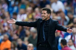 MADRID, SPAIN - AUGUST 21: Head coach Diego Pablo Simeone of Atletico de Madrid gives instructions during the La Liga match between Club Atletico de Madrid and Deportivo Alaves at Vicente Calderon stadium on August 21, 2016 in Madrid, Spain. (Photo by Gonzalo Arroyo Moreno/Getty Images)