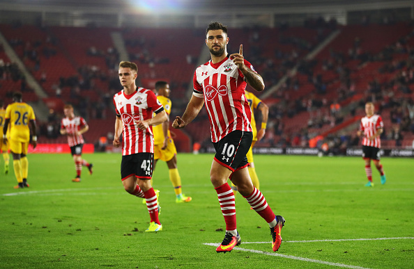 SOUTHAMPTON, ENGLAND - SEPTEMBER 21: Charlie Austin of Southampton celebrates scoring his sides first goal during the EFL Cup Third Round match between Southampton and Crystal Palace at St Mary's Stadium on September 21, 2016 in Southampton, England. (Photo by Richard Heathcote/Getty Images)