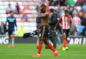 SUNDERLAND, ENGLAND - AUGUST 21: Jermain Defoe of Sunderland leaves the field dejected after the Premier League match between Sunderland and Middlesbrough at Stadium of Light on August 21, 2016 in Sunderland, England.  (Photo by Mark Runnacles/Getty Images)