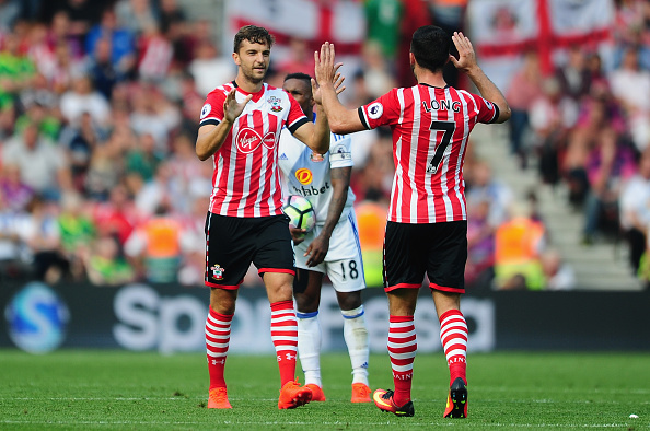 SOUTHAMPTON, UNITED KINGDOM - AUGUST 27: Jay Rodriguez of Southampton (L) celebrates after scoring his sides first goal during the Premier League match between Southampton and Sunderland at St Mary's Stadium on August 27, 2016 in Southampton, England. (Photo by Harry Trump/Getty Images)