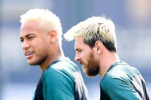 BARCELONA, SPAIN - SEPTEMBER 12:  Neymar Jr. (L) and Lionel Messi of FC Barcelona look on during a training session ahead of their UEFA Champions League Group C match against Celtic FC at Ciutat Esportiva of Sant Joan Despi on September 12, 2016 in Barcelona, Spain.  (Photo by David Ramos/Getty Images)