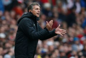 Southampton's French manager Claude Puel gestures on the touchline during the English Premier League football match between Arsenal and Southampton at The Emirates Stadium in London, on September 10, 2016. / AFP / IKIMAGES / IKimages / RESTRICTED TO EDITORIAL USE. No use with unauthorized audio, video, data, fixture lists, club/league logos or 'live' services. Online in-match use limited to 45 images, no video emulation. No use in betting, games or single club/league/player publications.        (Photo credit should read IKIMAGES/AFP/Getty Images)