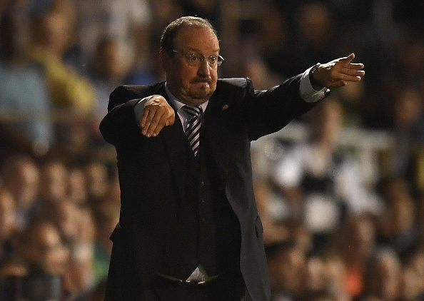 LONDON, ENGLAND - AUGUST 05:  Newcastle maneger Rafa Benitez shouts instructions during the Sky Bet Championship match between Fulham and Newcastle United at Craven Cottage on August 5, 2016 in London, England.  (Photo by Mike Hewitt/Getty Images)