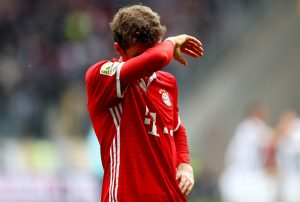 FRANKFURT AM MAIN, GERMANY - OCTOBER 15: Thomas Mueller of Bayern Muenchen looks dejected after the Bundesliga match between Eintracht Frankfurt and Bayern Muenchen at Commerzbank-Arena on October 15, 2016 in Frankfurt am Main, Germany.  (Photo by Lars Baron/Bongarts/Getty Images)