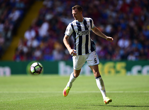 LONDON, ENGLAND - AUGUST 13:  Jonny Evans of West Bromwich Albion in action during the Premier League match between Crystal Palace and West Bromwich Albion at Selhurst Park on August 13, 2016 in London, England. (Photo by Alex Broadway/Getty Images)