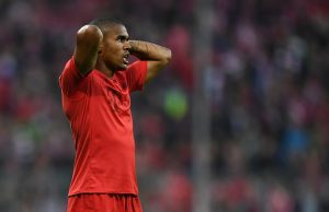 MUNICH, GERMANY - NOVEMBER 05: Douglas Costa of Muenchen shows his disappointment after the Bundesliga match between Bayern Muenchen and TSG 1899 Hoffenheim at Allianz Arena on November 5, 2016 in Munich, Germany.  (Photo by Matthias Hangst/Bongarts/Getty Images)
