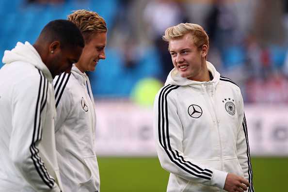 OSLO, NORWAY - SEPTEMBER 04: Jonathan Tah, Bernd Leno and Max Meyer (L-R) of Germany chat prior to the 2018 FIFA World Cup Qualifier Group C match between Norway and Germany at Ullevaal Stadium on September 4, 2016 in Oslo, Norway. (Photo by Alex Grimm/Bongarts/Getty Images)