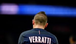 Paris Saint-Germain's Italian midfielder Marco Verratti is pictured at the end of during the French L1 football match between Paris Saint-Germain and Rennes at the Parc des Princes stadium in Paris on November 6, 2016. / AFP / FRANCK FIFE        (Photo credit should read FRANCK FIFE/AFP/Getty Images)