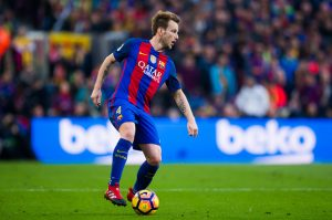 BARCELONA, SPAIN - DECEMBER 03:  Ivan Rakitic of FC Barcelona controls the ball during the La Liga match between FC Barcelona and Real Madrid CF at Camp Nou stadium on December 3, 2016 in Barcelona, Spain.  (Photo by Alex Caparros/Getty Images)