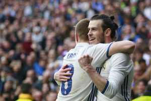 MADRID, SPAIN - FEBRUARY 18:  Gareth Bale (R) of Real Madrid CF celebrates scoring their second goal with teammate Toni Kroos (L) during the La Liga match between Real Madrid CF and RCD Espanyol at Estadio Santiago Bernabeu on February 18, 2017 in Madrid, Spain.  (Photo by Gonzalo Arroyo Moreno/Getty Images)