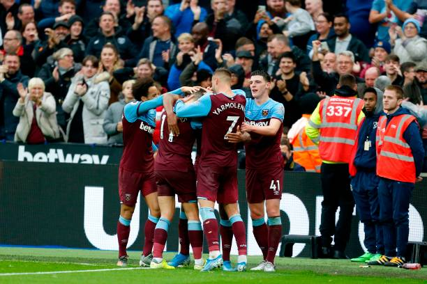4-3-3 West Ham United predicted lineup vs Chelsea (West Ham players celebrating in the photo)