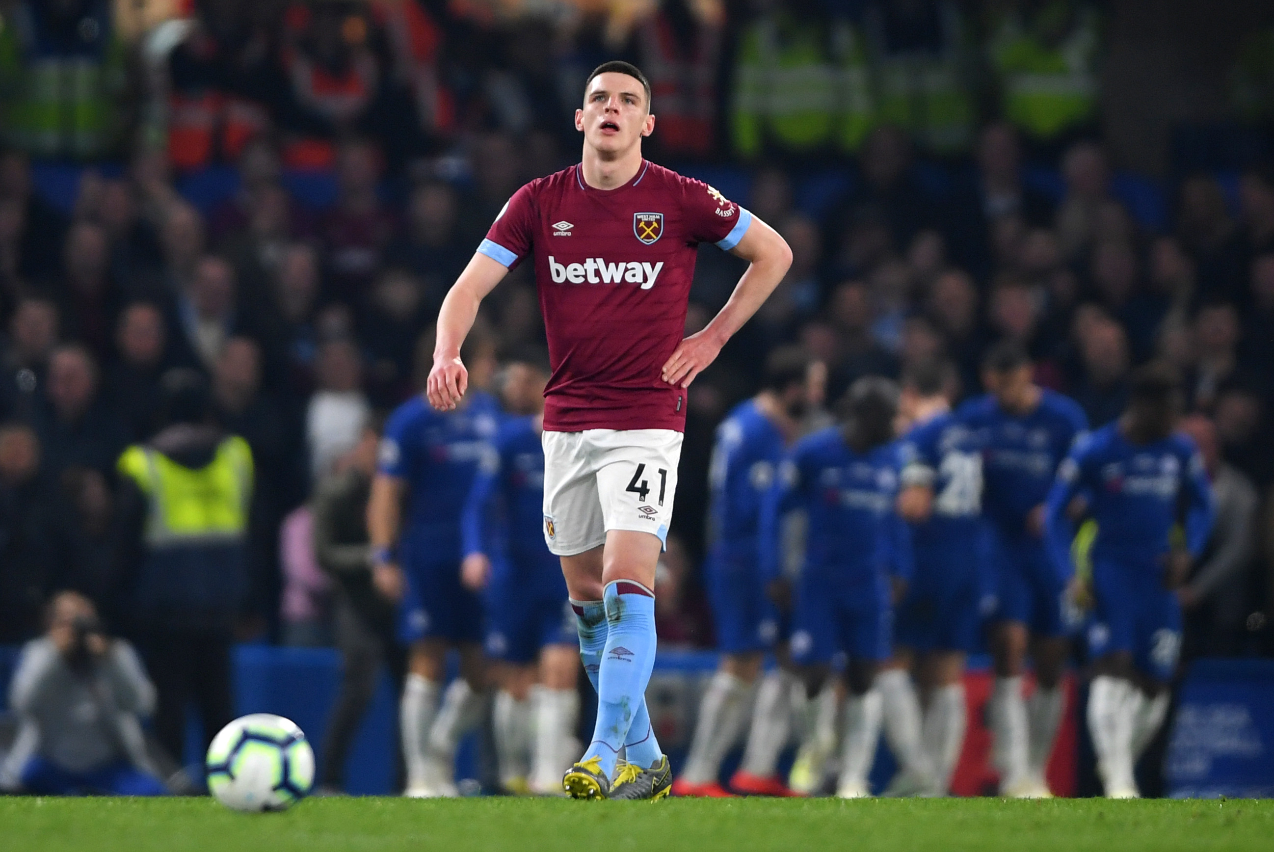 West Ham United vs Chelsea tactical preview (West Ham's Declan Rice looks dejected in the photo)