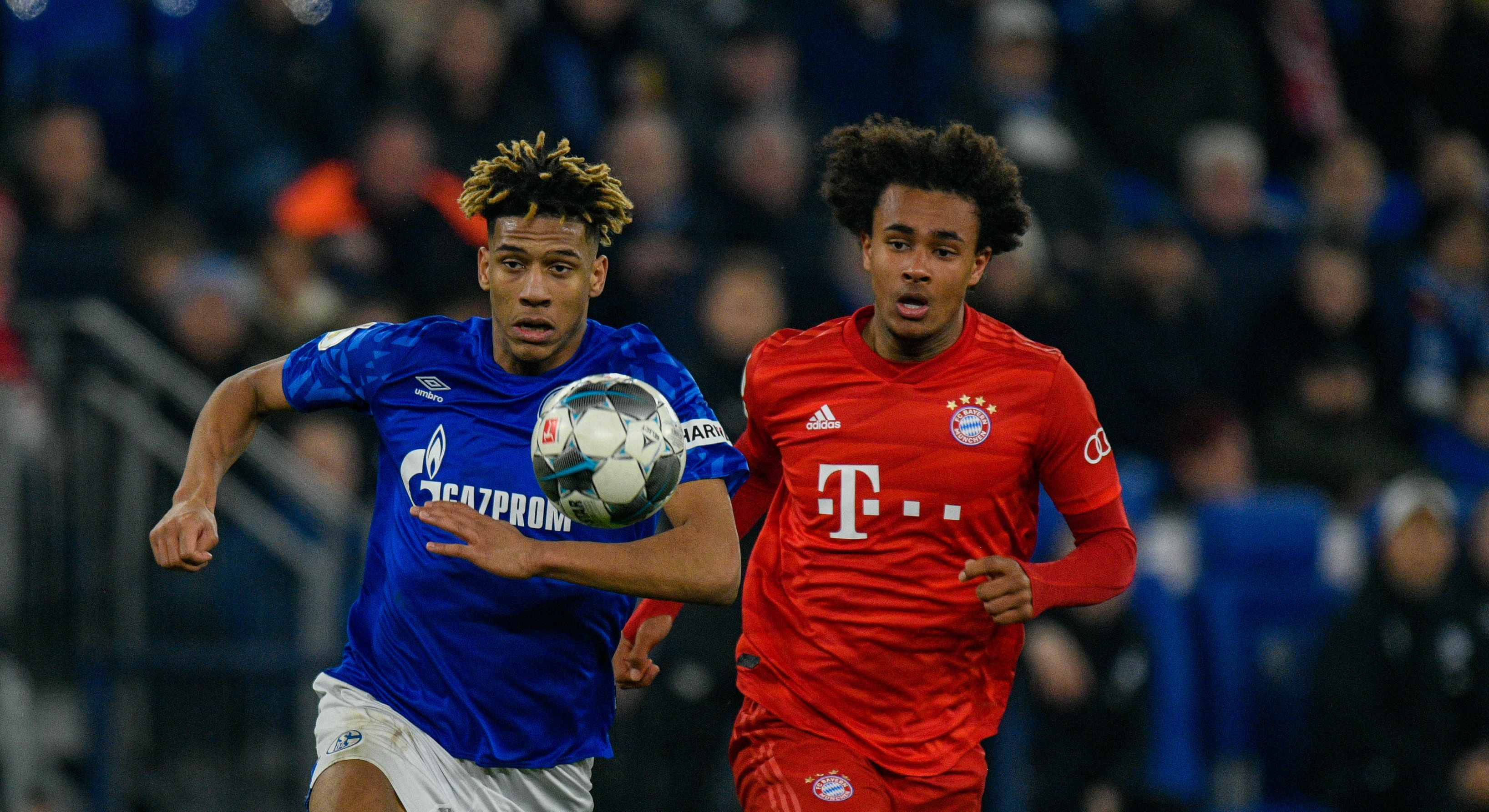 Bent urges Everton to make loan-to-buy offer for Joshua Zirkzee who is seen in the photo