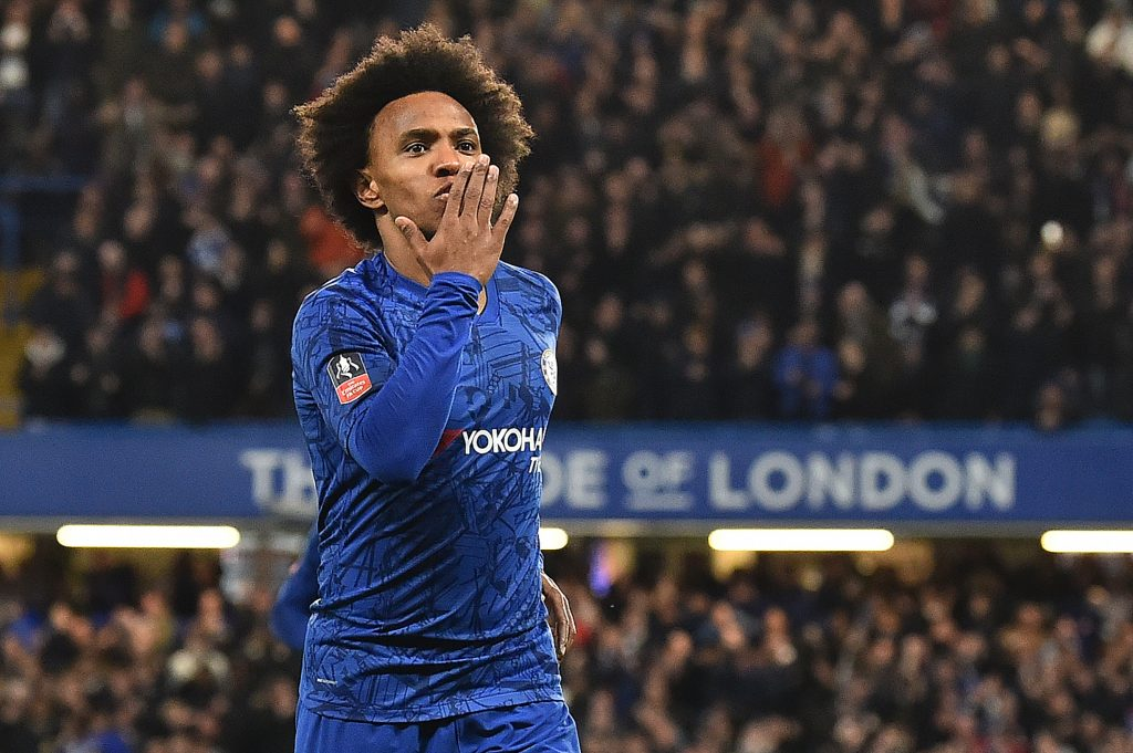 Arsenal offer three-year contract to Chelsea playmaker Willian who is in action in the photo
