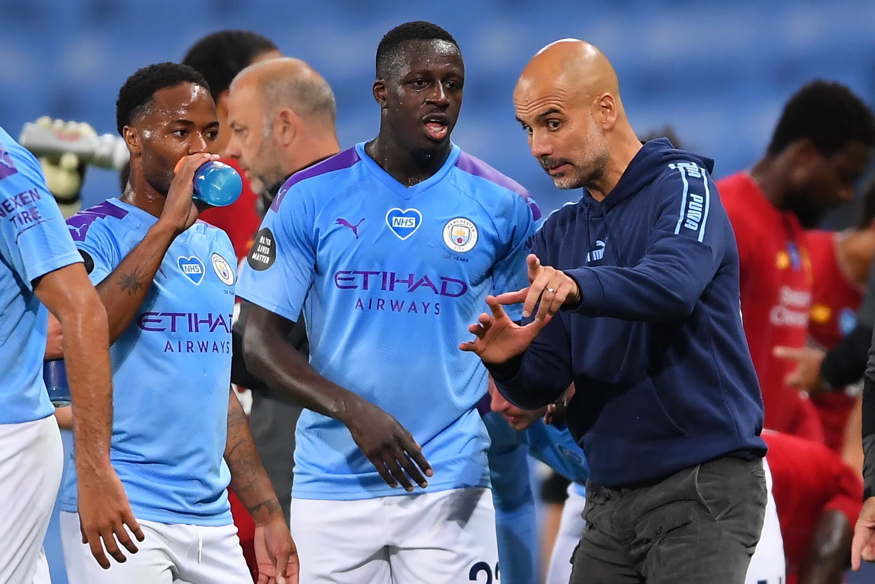 Manchester City Predicted 4-3-3 Lineup Vs Southampton - Guardiola speaks to the players