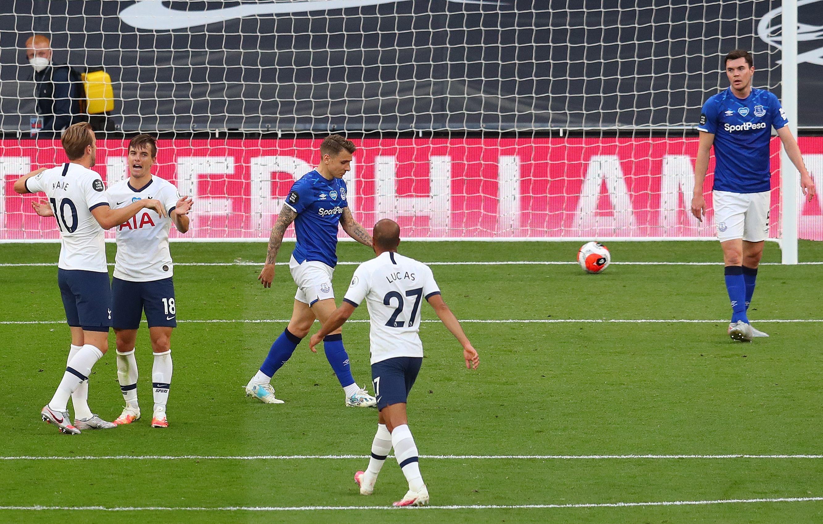 Everton players rated vs Tottenham Hotspur (Everton's Michael Keane seen dejected in the picture)