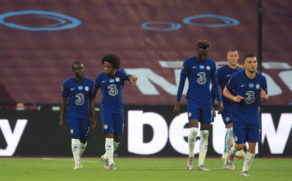 Predicted 4-3-3 Chelsea Lineup Vs Watford - Chelsea players celebrate a goal