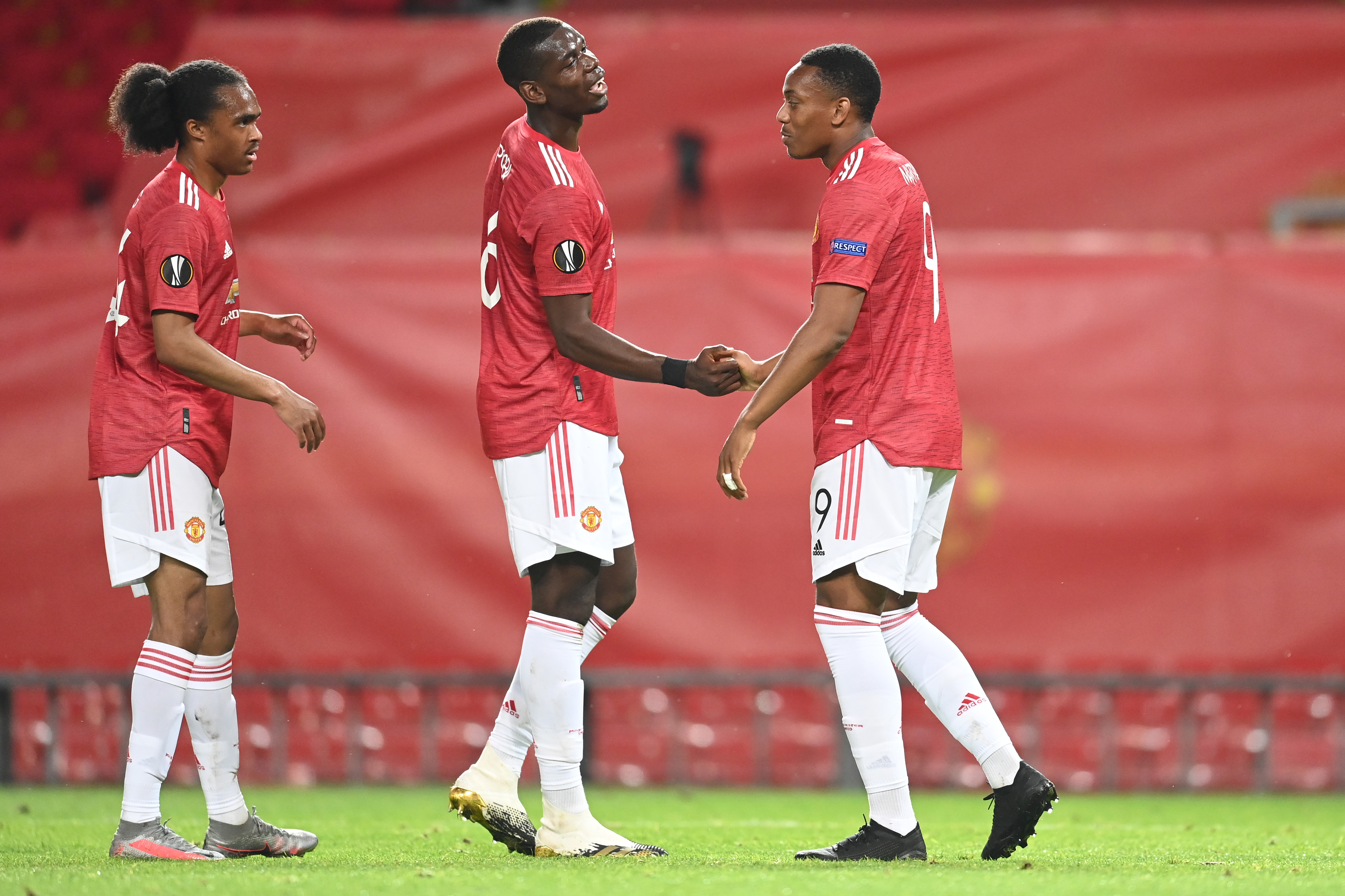 3 ways how Manchester United can tactically outwit Sevilla (Man United players celebrating in the picture)