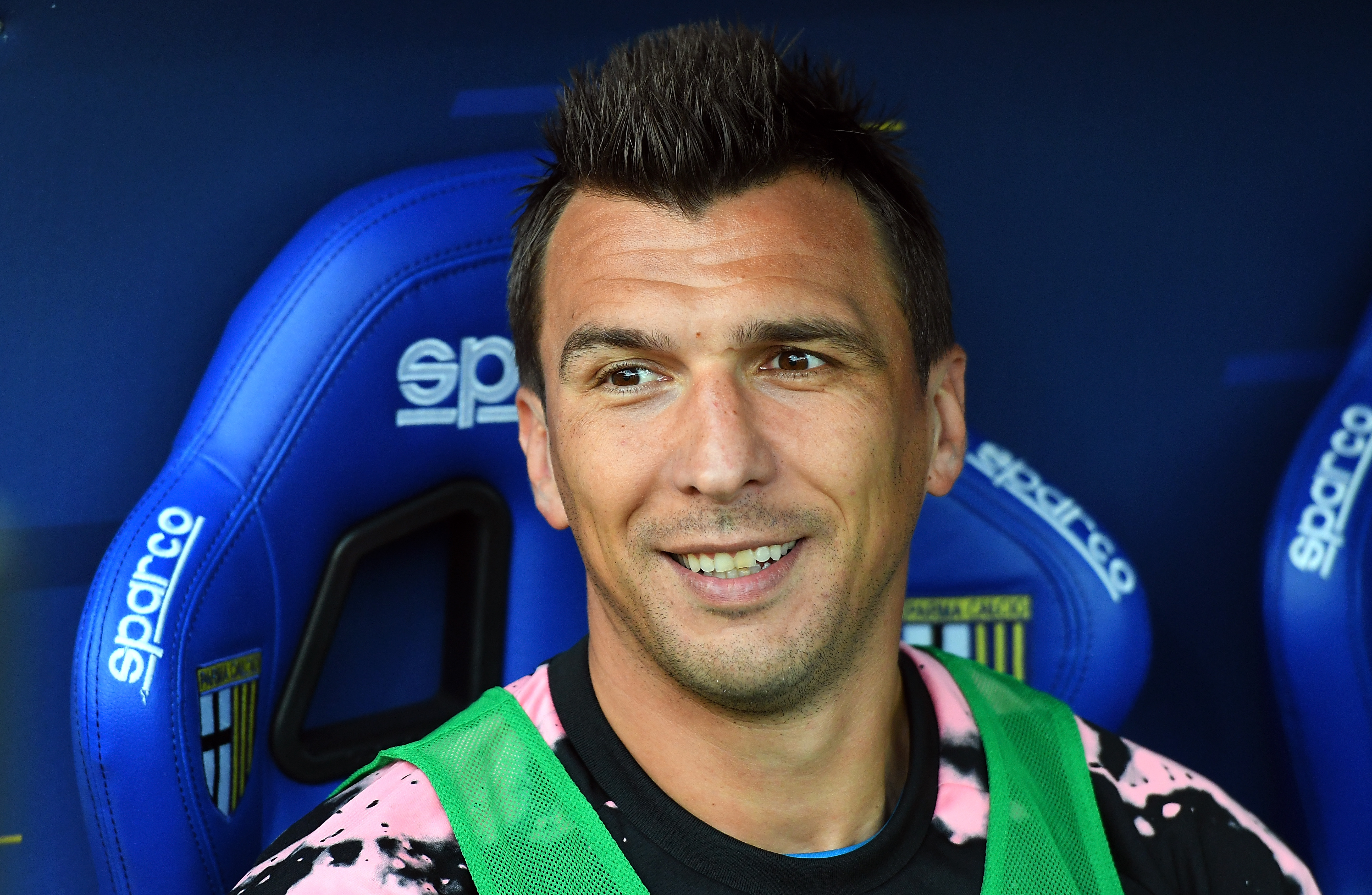 Hargreaves urges Man United to make a move for Mandzukic who is seen in the photo