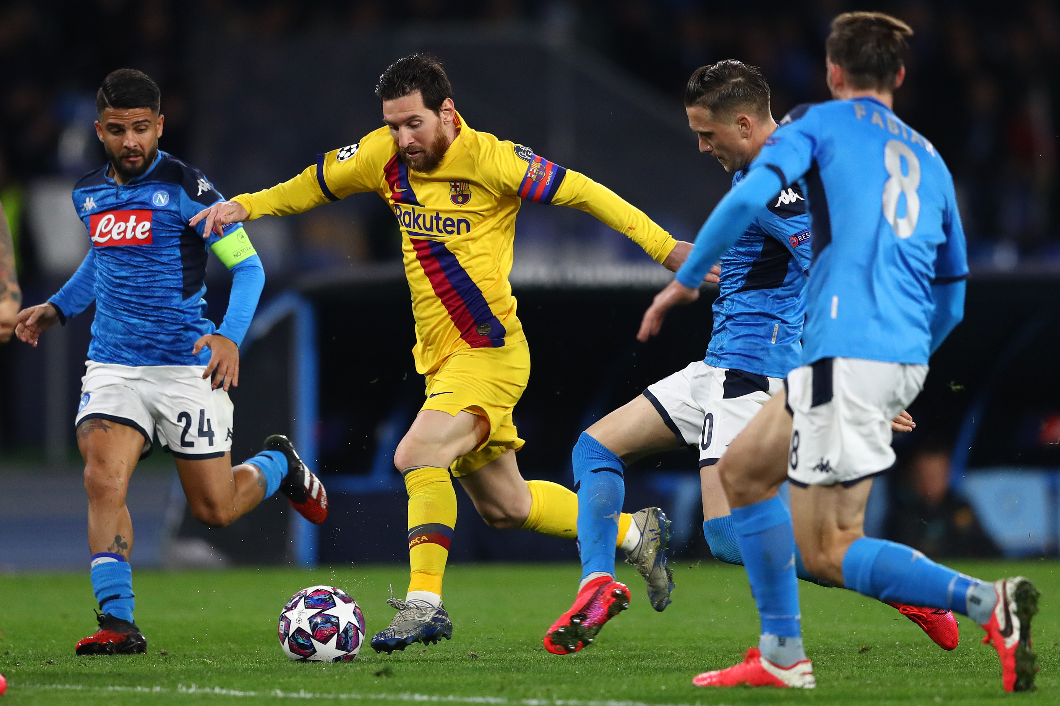 Manchester City ready to give up five players for Messi who is in action in the picture