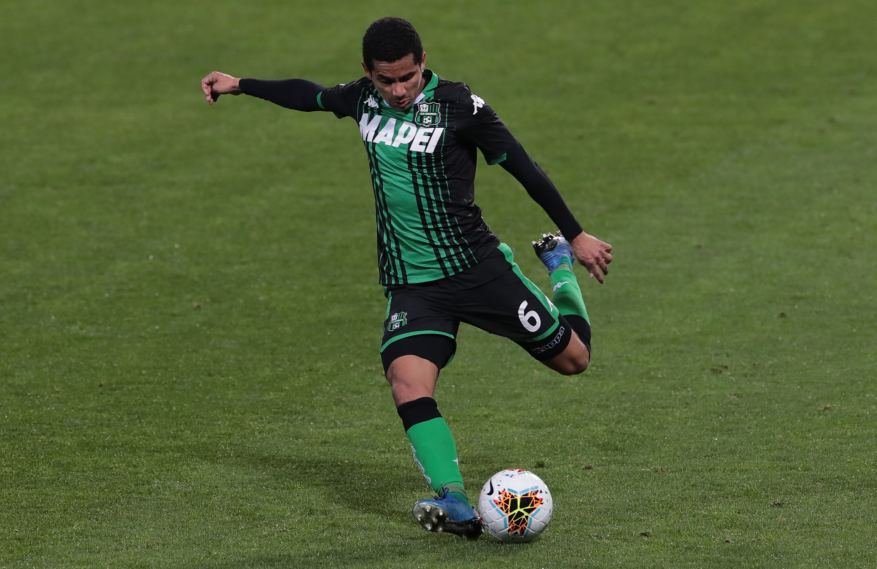Newcastle United in talks to recruit Rogerio who is in action in the photo