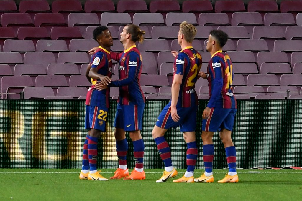 4-2-3-1 Barcelona predicted lineup vs Juventus (Barcelona players are celebrating in the photo)