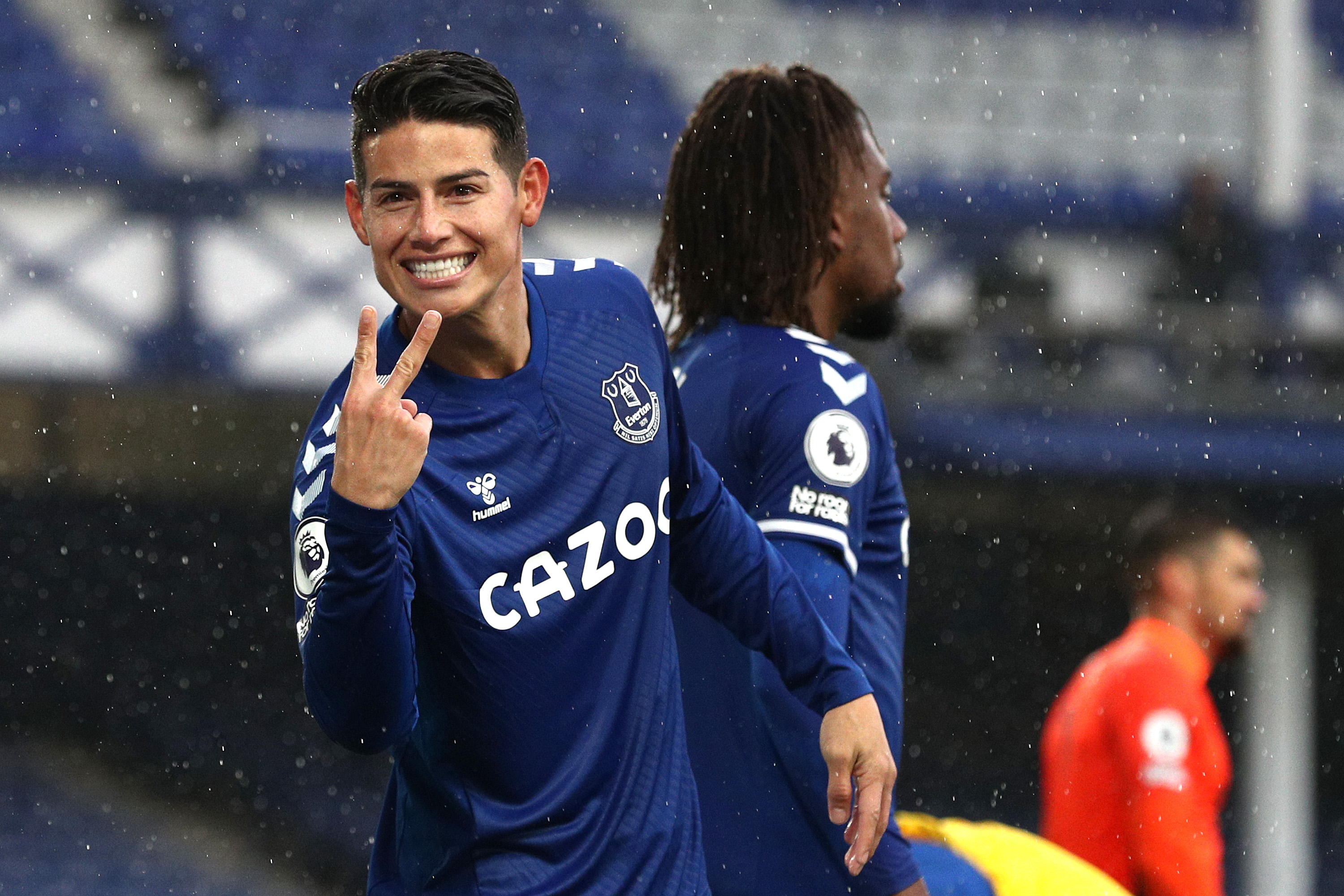 4-3-3 Everton Predicted Lineup Vs Chelsea (Everton's Rodriguez is celebrating in the photo)
