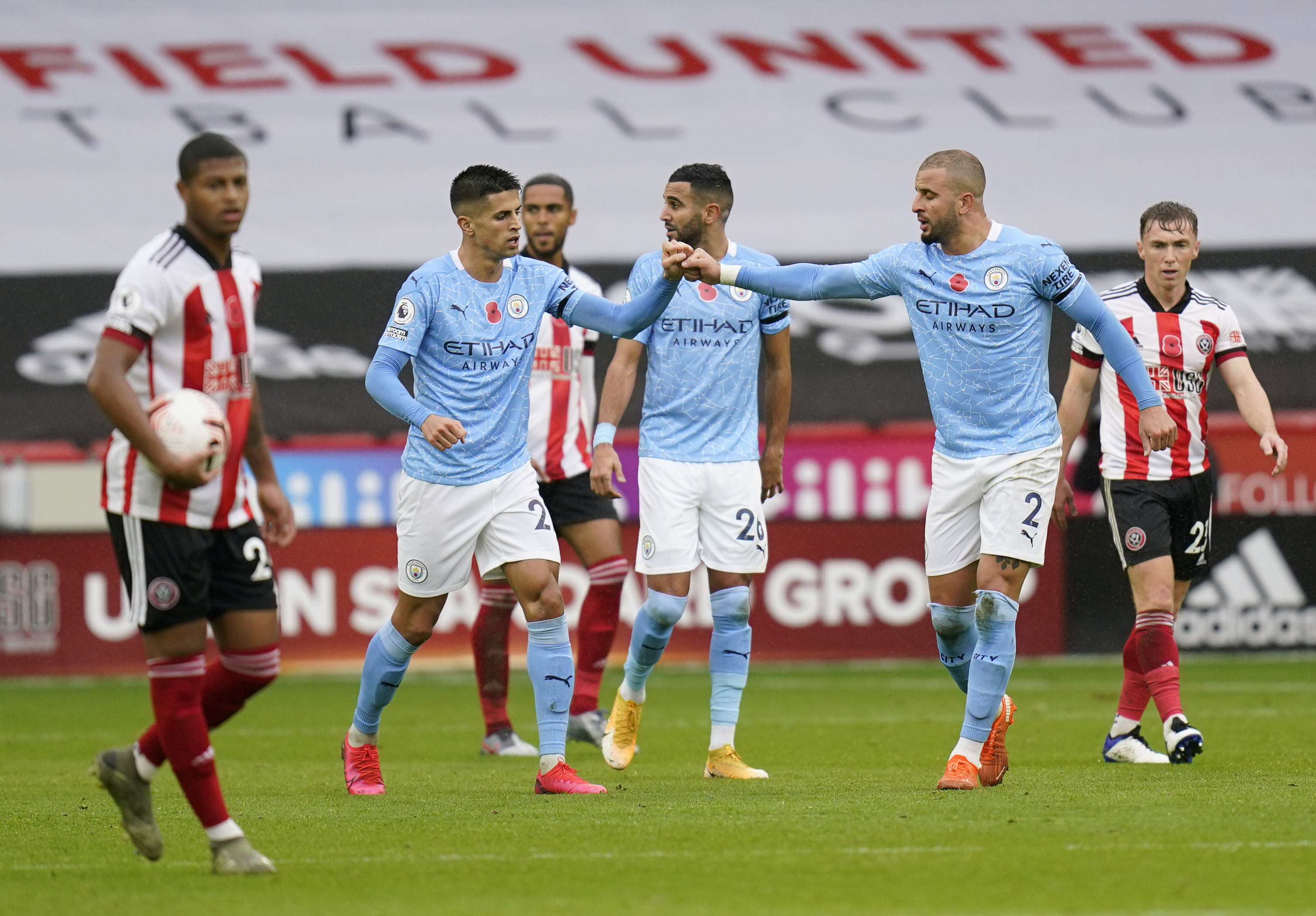 4-2-3-1 Manchester City Predicted Lineup Vs Fulham (Man City players are celebrating in the photo)