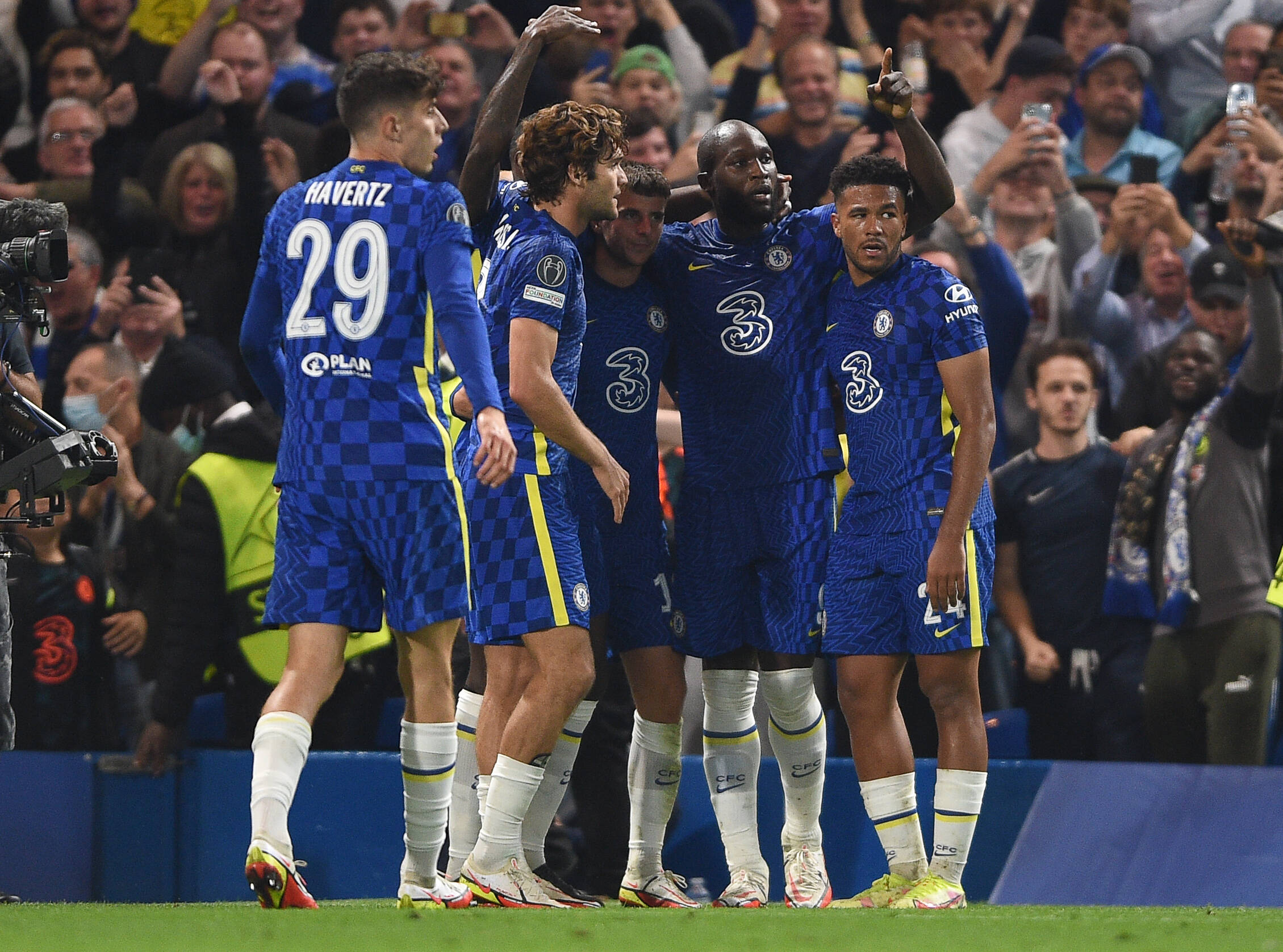 3-4-2-1 Chelsea Predicted Lineup Vs Aston Villa (Chelsea players are celebrating in the picture)